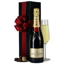 Picture of Moet  Champagne In Gift A Box