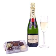 Picture of Moet & Luxury Chocolates